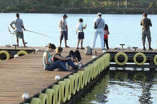 Deck Norte ou Calçadão da Asa Norte, ponto de encontro para esportistas e amigos que querem relaxar.